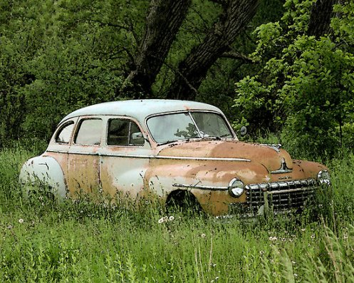 2963475-2-old-rusty-car